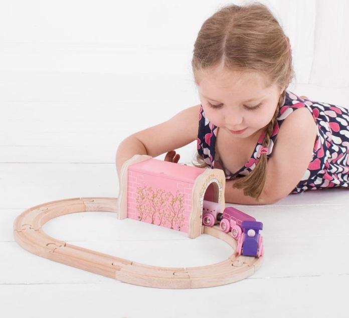 BJT233 Różowy tunel górski dla pociągu księżniczki