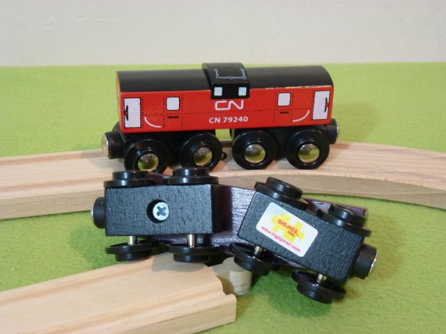 Wagon pasażerski, czerwony, KANADYJSKI, luzem