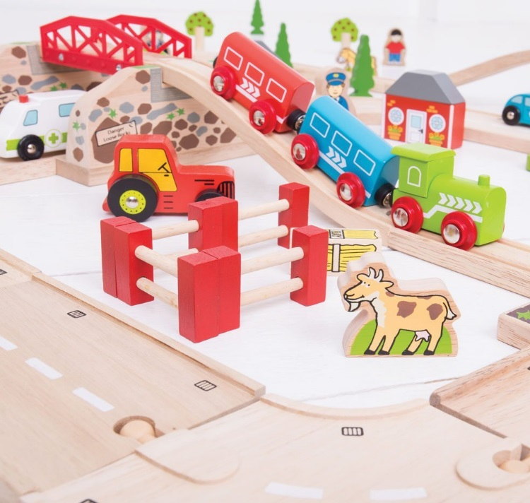 BJT021 Wielki zestaw drogowo-kolejowy z jeziorkiem