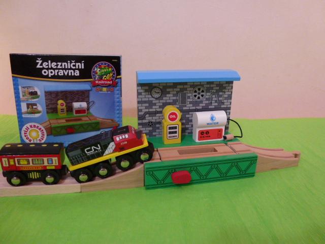 50484 Stacja serwisowa z górką rozrządową i dystrybutorem paliwa