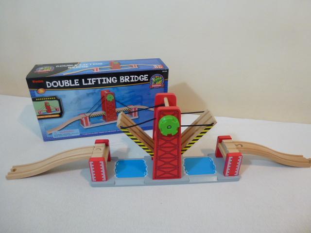 50439 Wiszący, podwójny most zwodzony dla pociągów