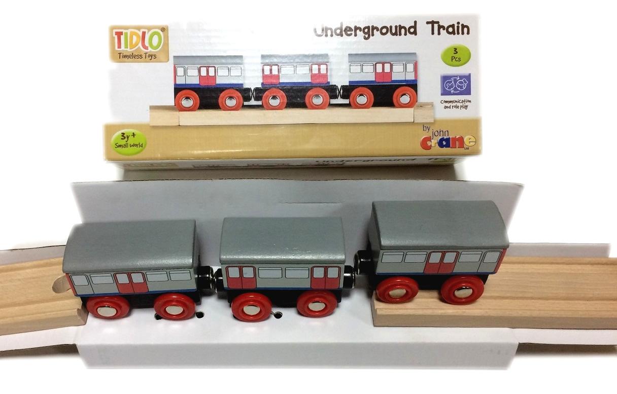 T-0110 Metro - pociąg drewniany