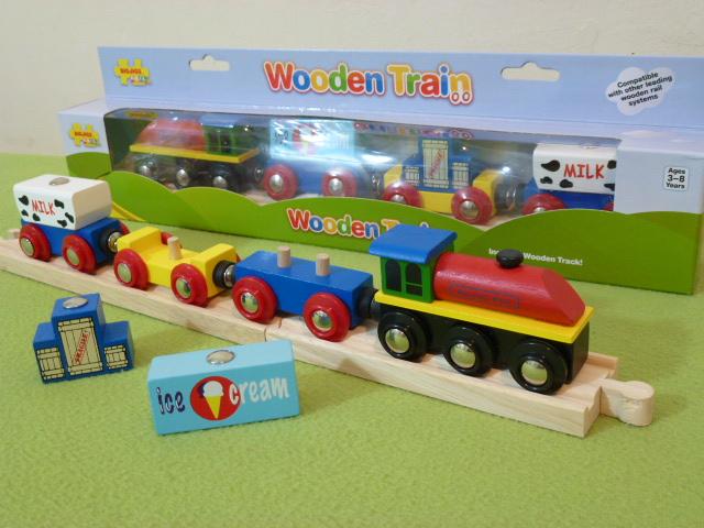 BJT466 Pociąg z kurą farmera