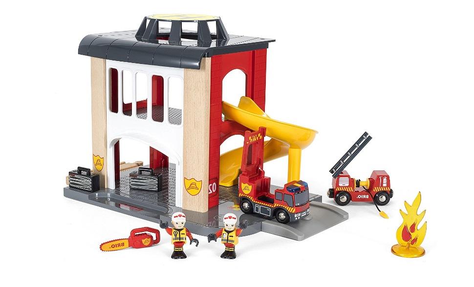 Piętrowa remiza strażacka kolejowa - Brio