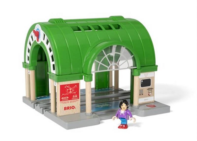 Dworzec centralny z gadającym biletomatem - Brio