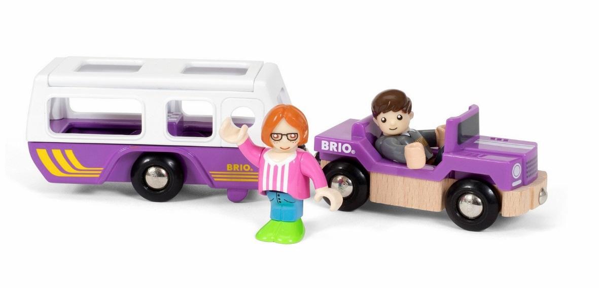 Samochód kempingowy z przyczepą - Brio