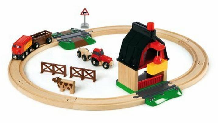 Farma - kompletna makieta z dźwigiem, traktorem i przejazdem kolejowym - Brio