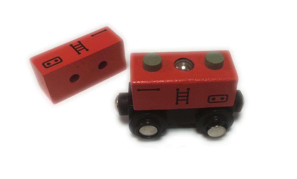 Wagon z czerwonym kontenerem z kominami - Bigjigs