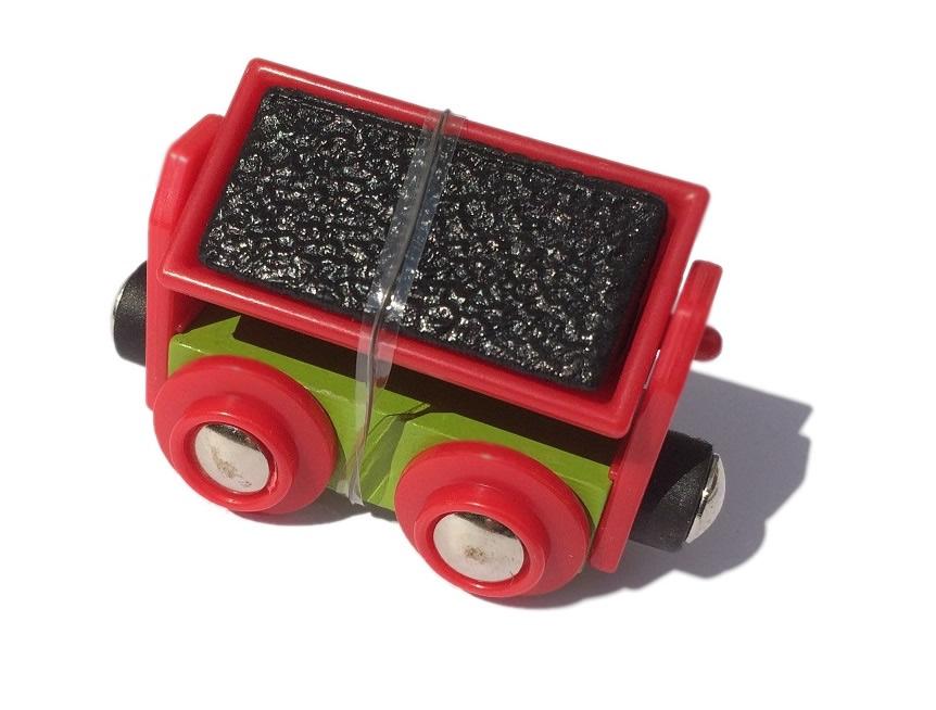 Wywrotka czerwona z węglem do pociągu towarowego - Bigjigs