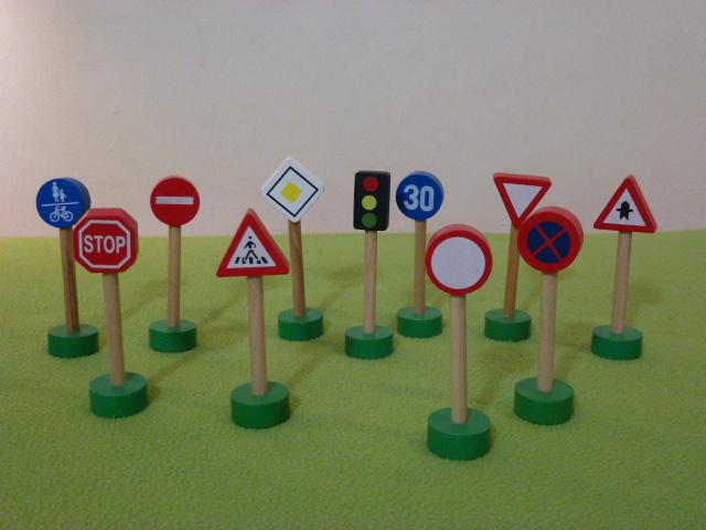 Zestaw znaków drogowo - kolejowych - Bino